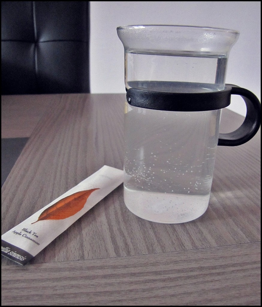 Une tasse eau chaude