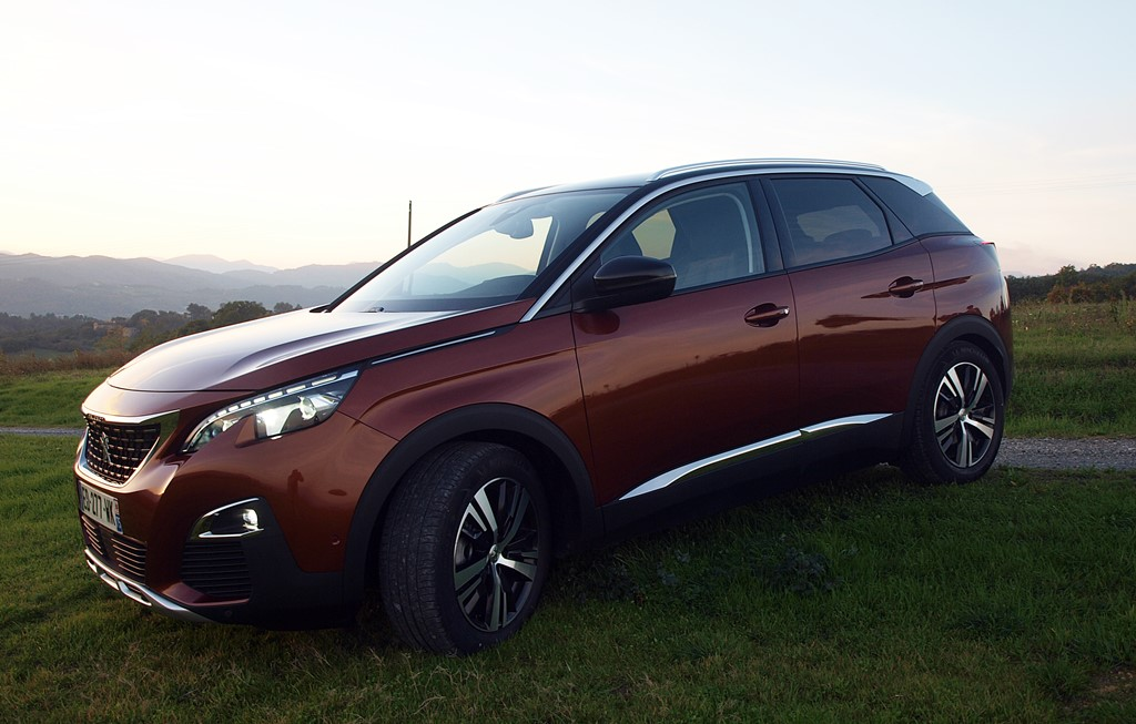 peugeot-3008-metallic-copper