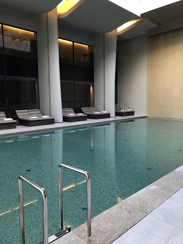 piscine interieure et spa