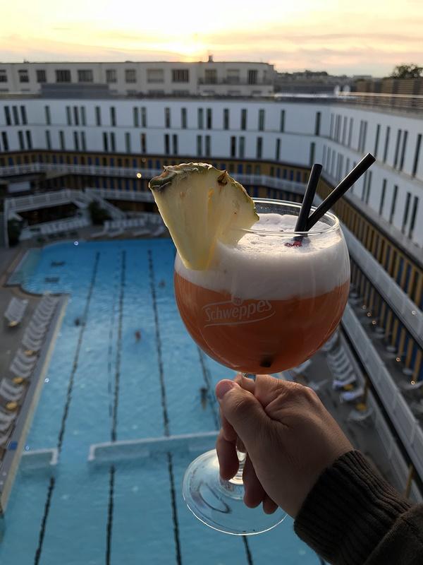 cocktail punch pool - sunset piscine molitor