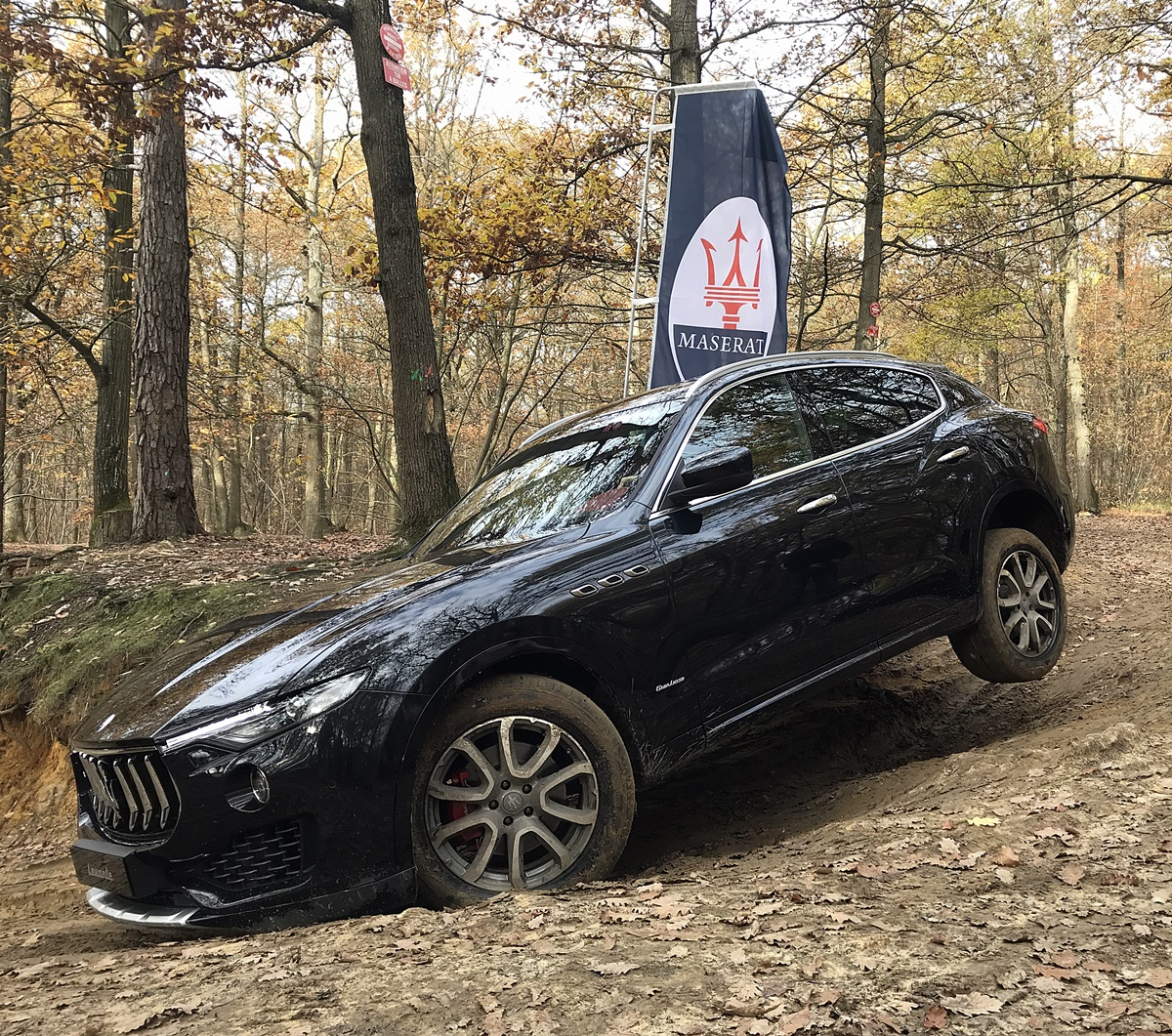 maserati levante session offroad