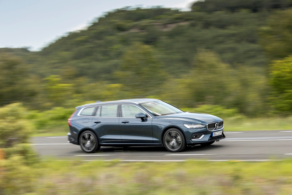 Volvo V60 trois quarts - photo_Ace_Team_pour_Volvo_Car