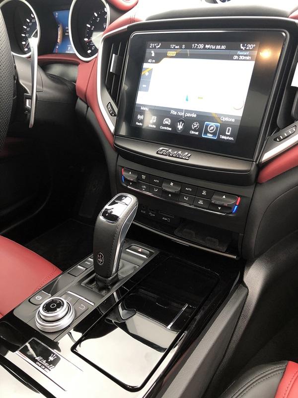 Maserati Ghibli Ribelle console centrale